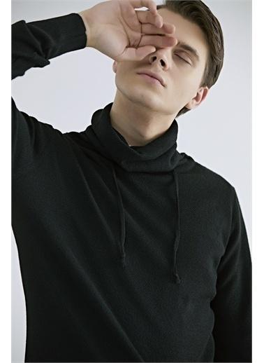 TWN Kazak Siyah